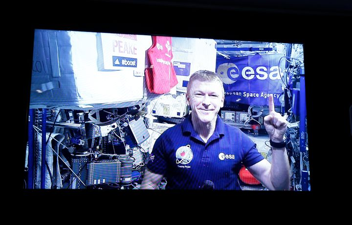 Tim Peake appears live from the ISS for a Q&A session ahead of the London Marathon. The European Space Agency astronaut s