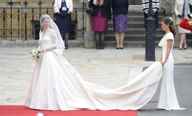 Alexander mcqueen denies 39 copying 39 the duchess of for Julian alexander wedding dresses