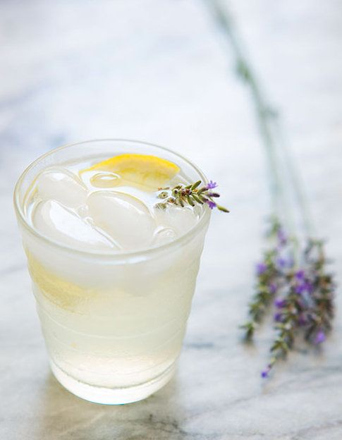 Beyonce 39 s lemonade recipe made us thirsty herewith a few with a little less sugar huffpost - Lemonade recipes popular less known ...