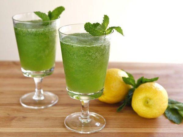 "<strong>Get the <a href=""http://theshiksa.com/2012/06/21/limonana-frozen-mint-lemonade/"" target=""_hplink"">Frozen Mint Lemonad"
