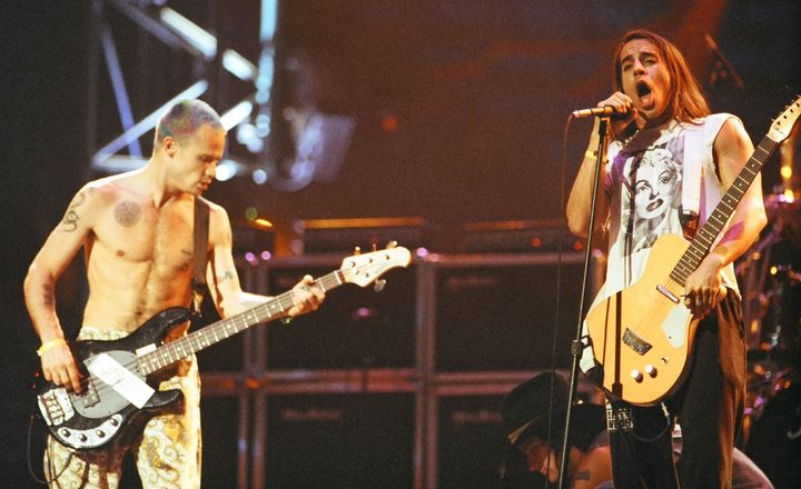 Flea (left) and Kiedis (right) rehearsing for the MTV Video Music Awards in 1992. <br>