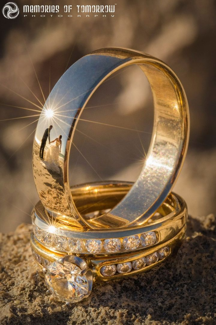 "Peter Adams-Shawn is making waves with his ""ringscapes,"" which are wedding photos reflected in a wedding band."
