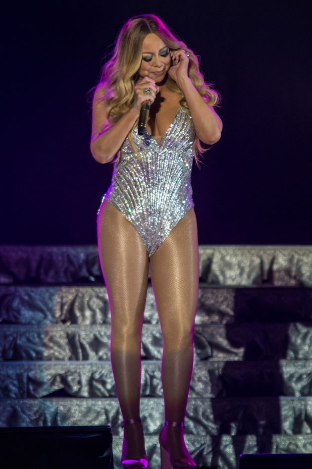 Mariah carey has one of her infamous 39 diva 39 moments during amsterdam live show - Mariah carey diva ...