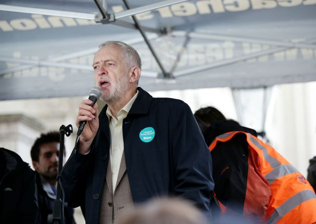 Jeremy Corbyn speaks to junior doctors outside the Department of