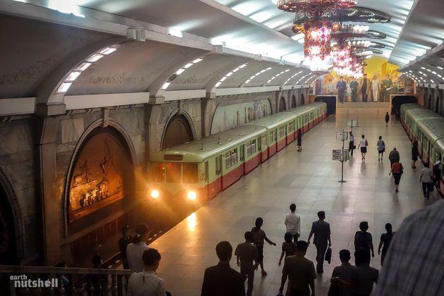 北朝鮮の地下鉄、全区間に乗ることを許された観光客の記録(動画・画像)
