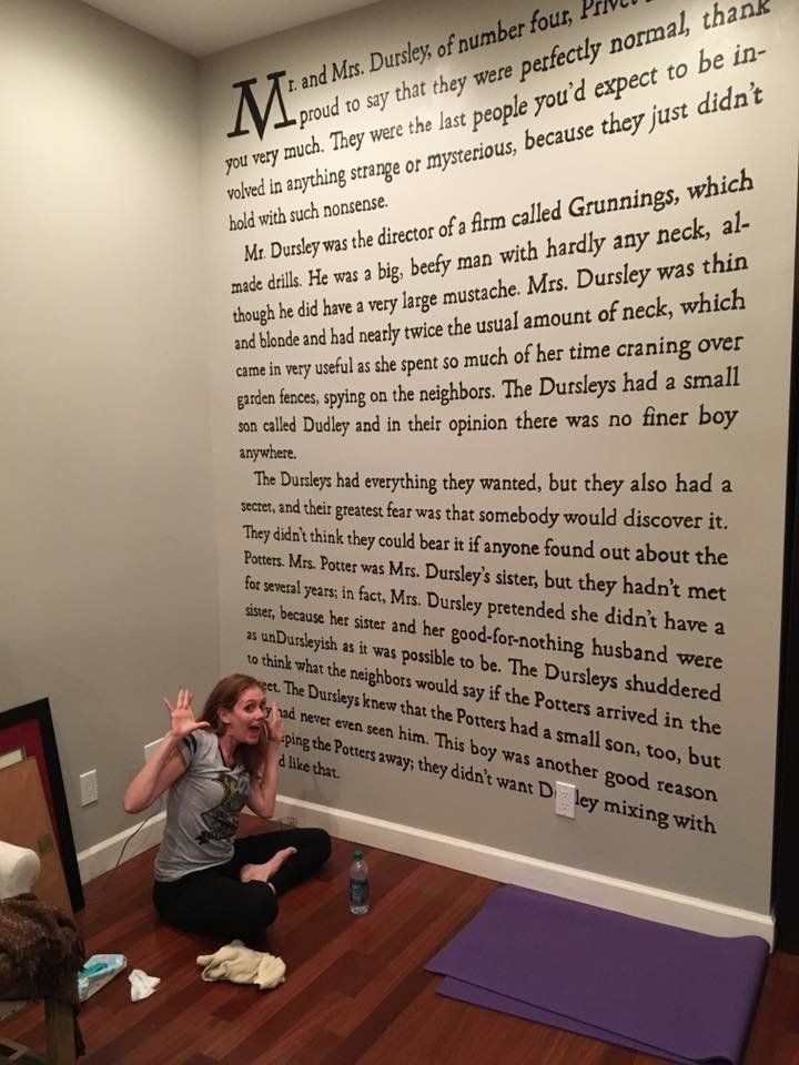 This Harry Potter Superfan Painted The First Page Of The Series On Her