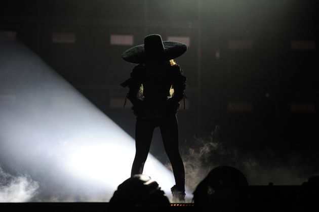 Beyoncé kicked off the evening with a performance of