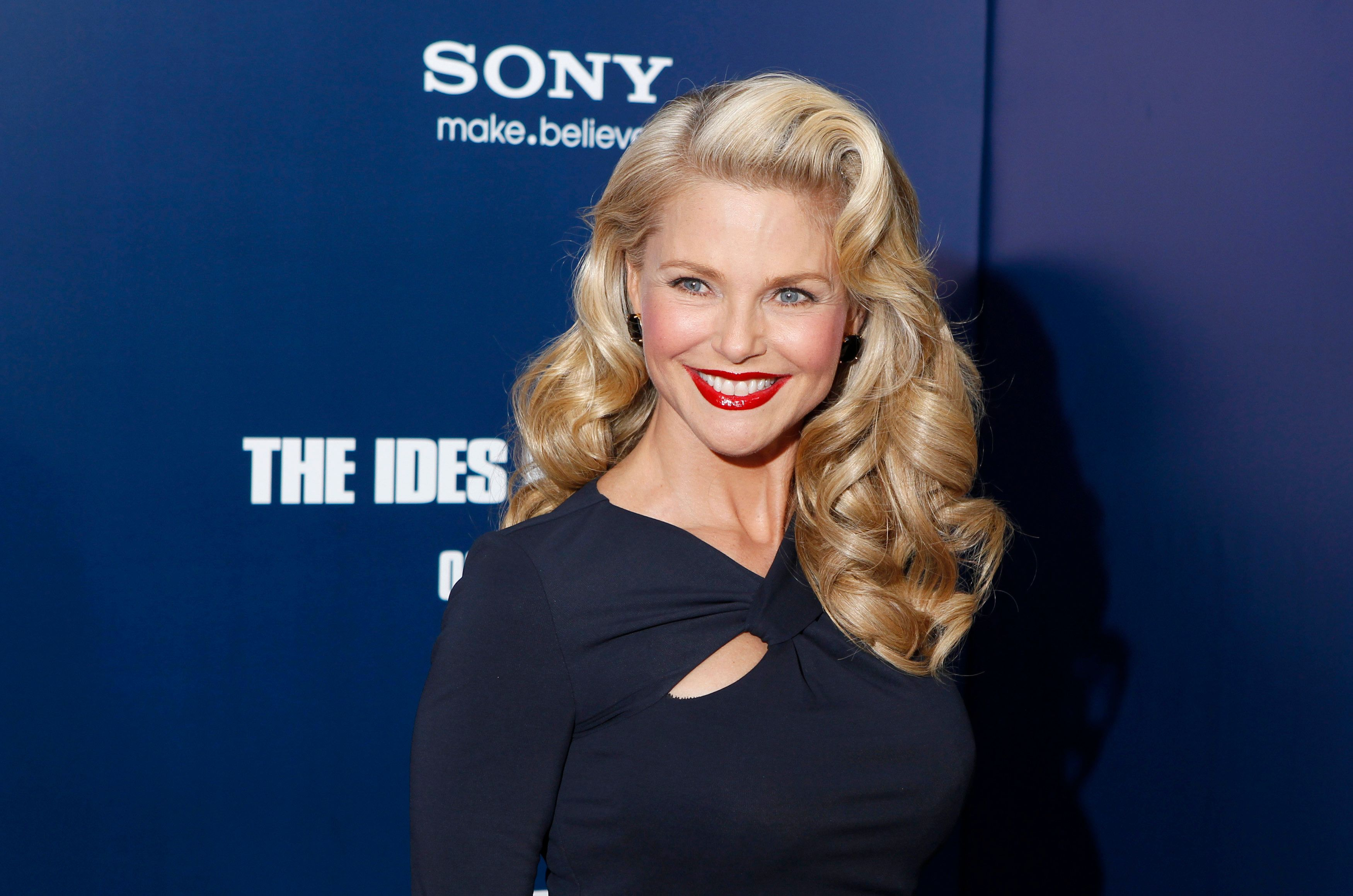 Model Christie Brinkley arrives at the premiere of Ides of March in New York October 5, 2011.  REUTERS/Lucas Jackson (UNITED STATES - Tags: ENTERTAINMENT)