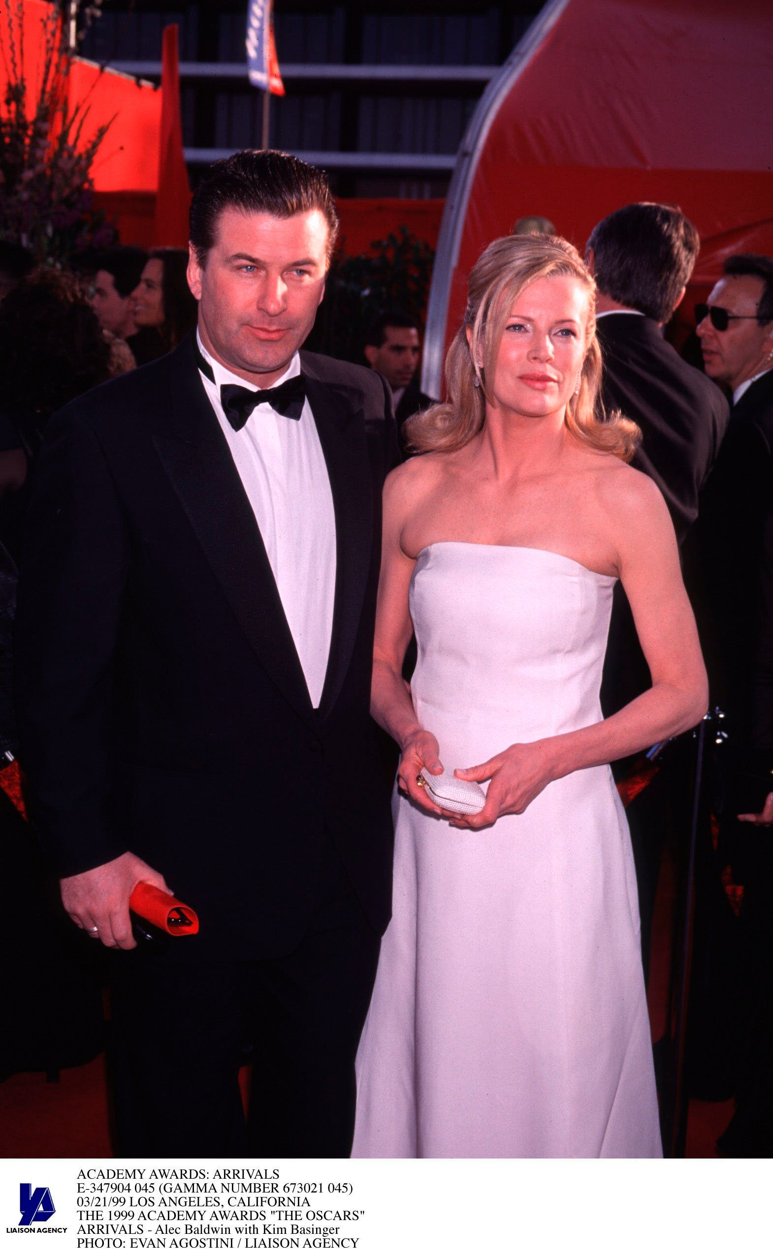 "Kim Basinger and Alec Baldwin at the 1999 Academy Awards. These days, the exes are ""cool."""