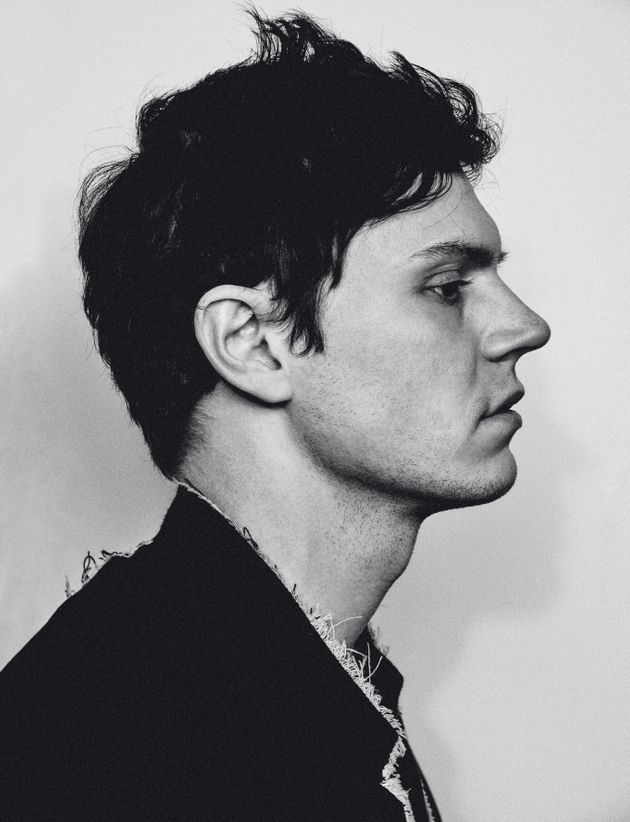 Evan Peters Black And White 2016