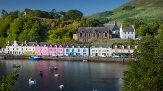Portree has a harbor, fringed by cliffs, with a pier designed by Thomas Telford. Attractions in the town include the Aros center which celebrate the islands Gaelic heritage. The town also serves as a center for tourists exploring the island.