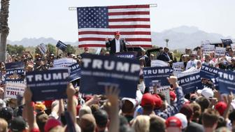 Republican U.S. presidential candidate Donald Trump speaks at a campaign rally in Fountain Hills, Arizona March 19, 2016.   REUTERS/Mario Anzuoni