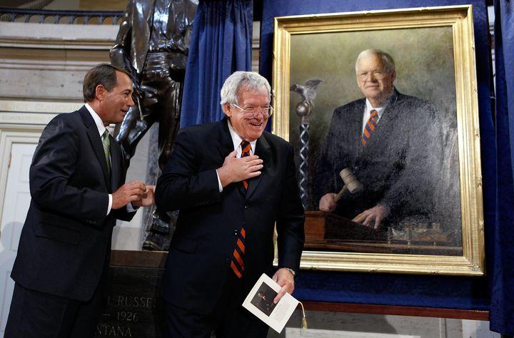 Former Speaker of the House Dennis Hastert, right, and Minority Leader John Boehner (R-Ohio), left, during the unveiling of H