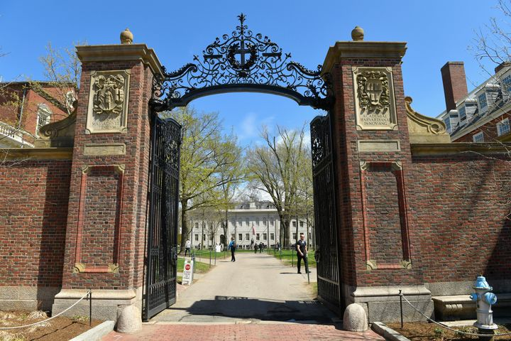 Forty people at Harvard University have been sickened with the mumps virus.