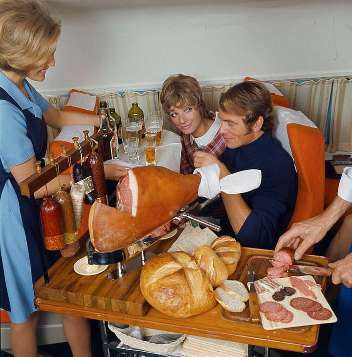 "Is that <a href=""http://www.huffingtonpost.com/2014/12/05/charcuterie-plate_n_6251150.html"">charcuterie</a>? On a plane?! Yes, yes it is."