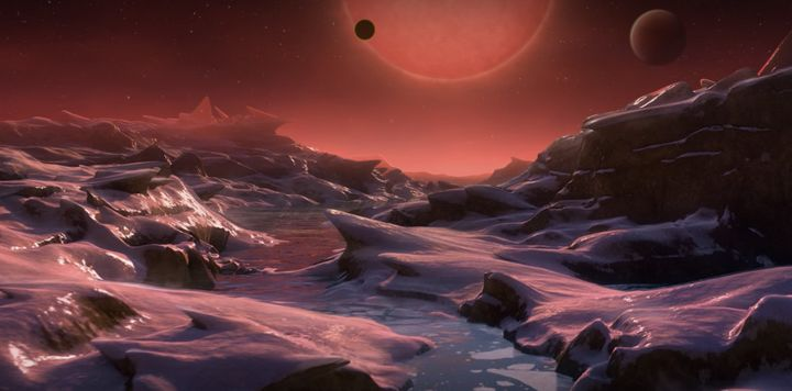 The atmosphere of three newly discovered planets could allow water to exist and with it, life. Researchers believe the surfac