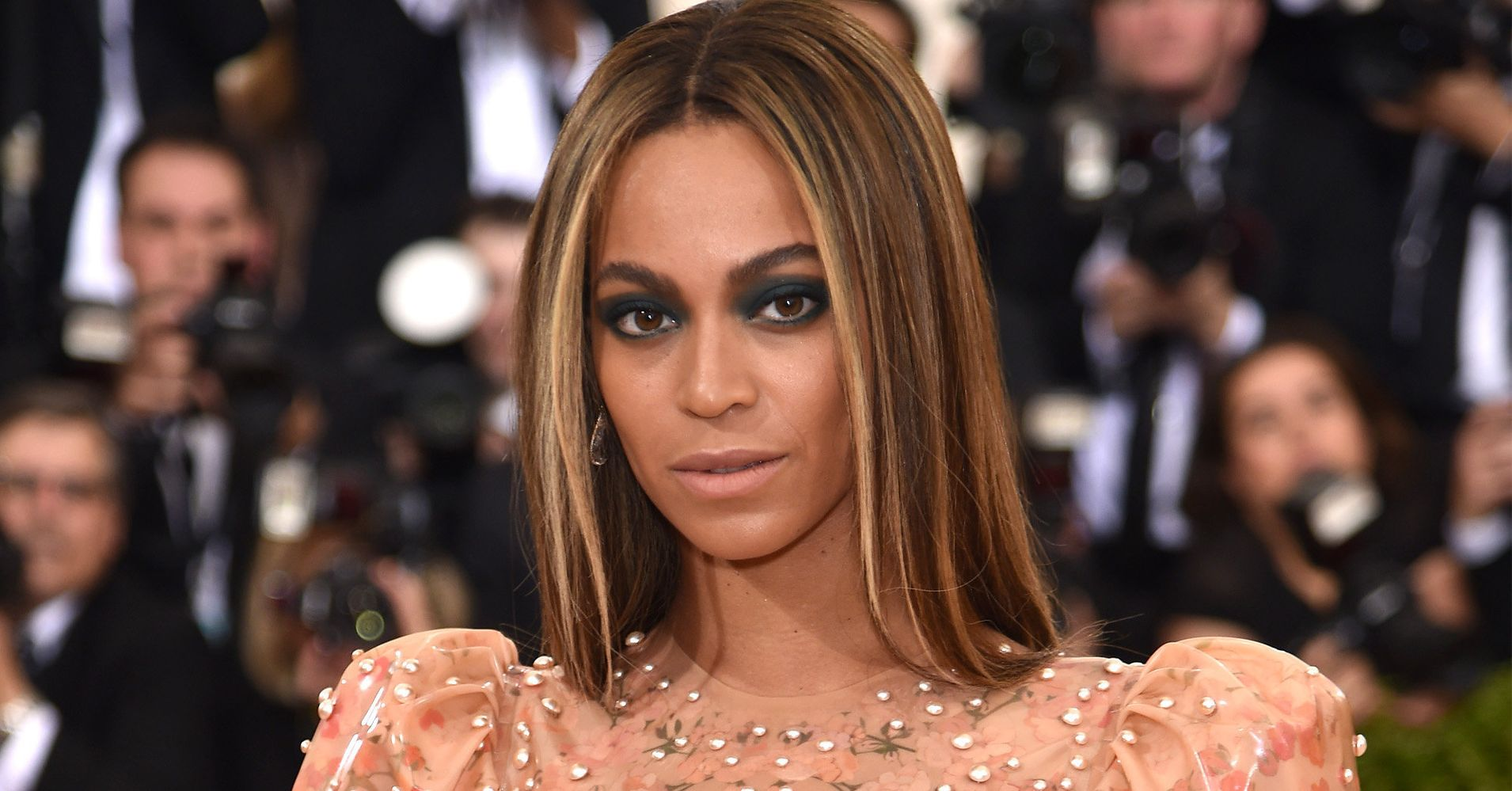 Beyonc Wears A Nude Latex Gown To The 2016 Met Gala -8919