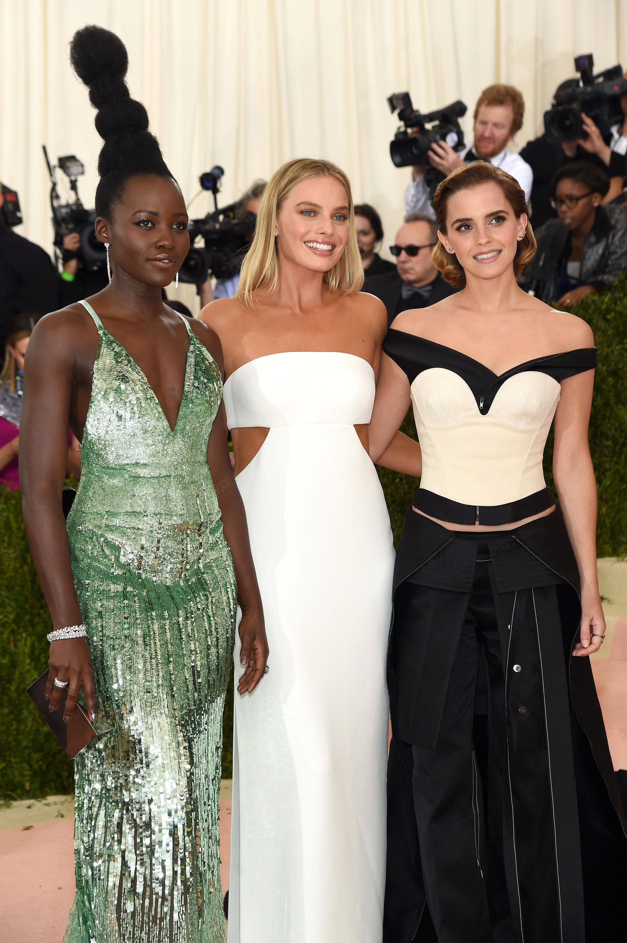 Celebrities Champion Sustainable Fashion At The 2016 Met