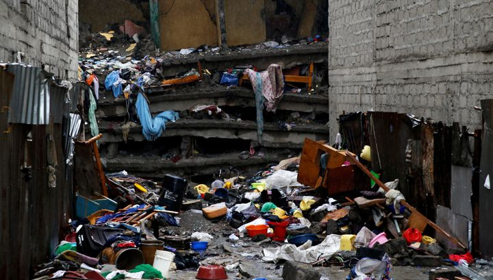 Thebuilding's collapse was the latest disaster in a fast-expanding African city scramblingto build homes fast eno