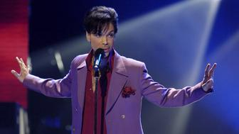 "Prince performs in a surprise appearance on the ""American Idol"" television show finale at the Kodak Theater in Hollywood, Los Angeles, U.S., May 24, 2006. REUTERS/Chris Pizzello/File Photo"