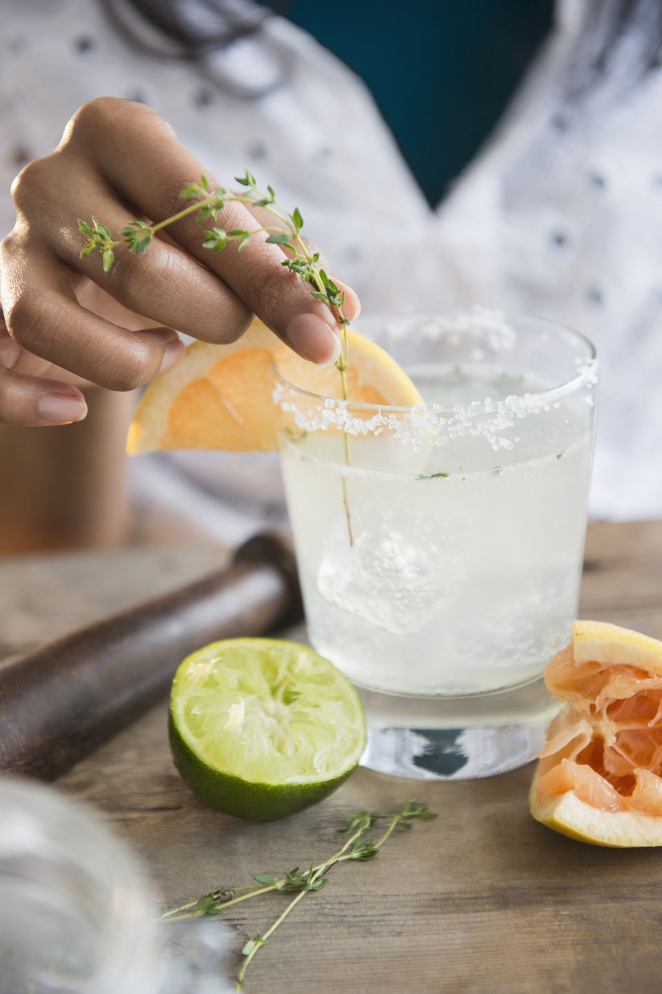 "The paloma -- tequila, grapefruit, lime and soda -- <a href=""http://www.bonappetit.com/recipe/paloma"" target=""_blank"">is Mexi"