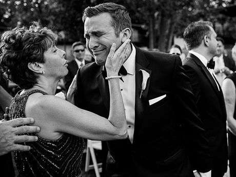 17 Tender Mother-Son Wedding Photos That Will Make You Grateful For Mom