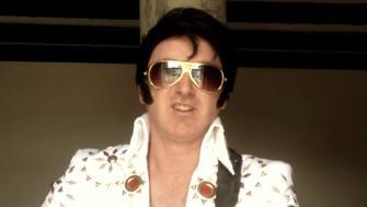 Elvis impersonator Mark Wright