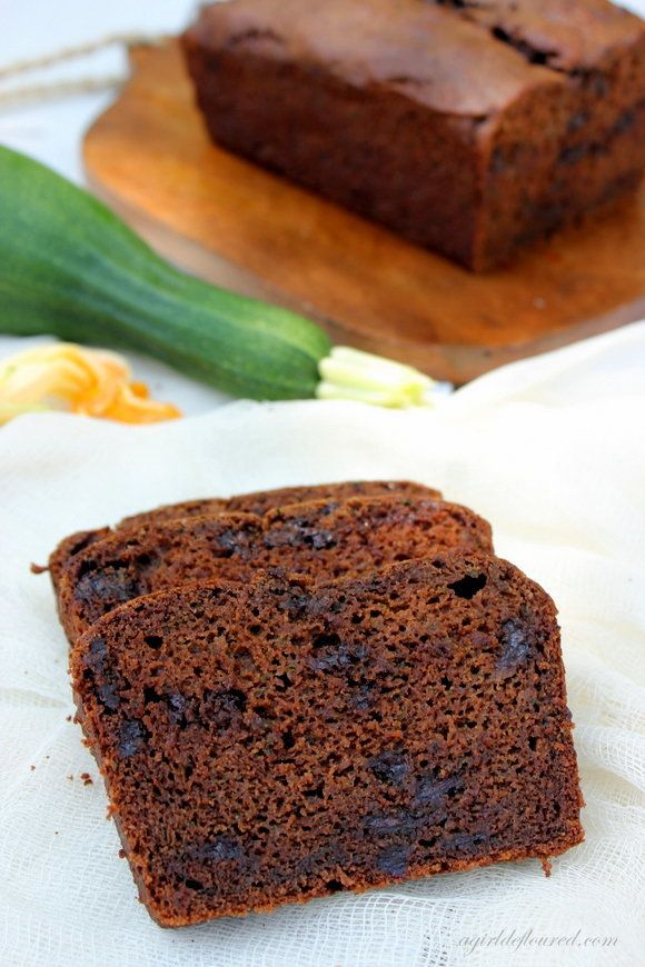 "Get the<a href=""http://www.agirldefloured.com/2013/08/28/gluten-free-double-chocolate-zucchini-bread/"" target=""_blank""> Glute"