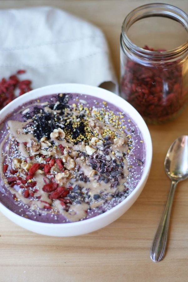 """<strong>Get the <a href=""""http://vegukate.com/post.php?s=2014-12-28-acai-berry-bowl"""" target=""""_blank"""">Acai Berry Bowl recipe</a"""