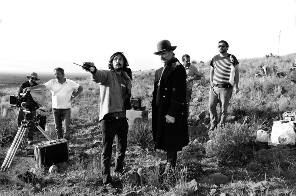 "Director Lisandro Alonso with Viggo Mortensen, cinematographer Timo Salminen and film crew on the set of ""<strong>Jauja</stro"