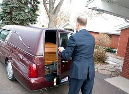 Undertaker Loses Hearse And Corpse After 'Going For A Boozy Lunch'