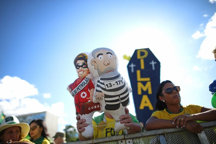 Brazilians rallied for the impeachment of President Dilma Rousseff after her mentor and predecessor Luiz Iná