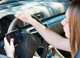 Here's Why Your Brain Can't Handle Texting And Driving At The Same Time