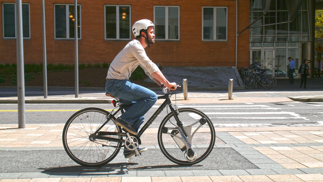 GeoOrbital Gives Any Bicycle An Electric Motor In 60