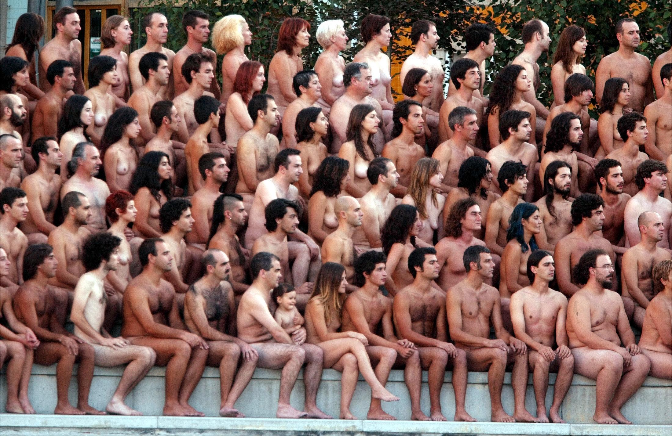 film-group-of-people-nude