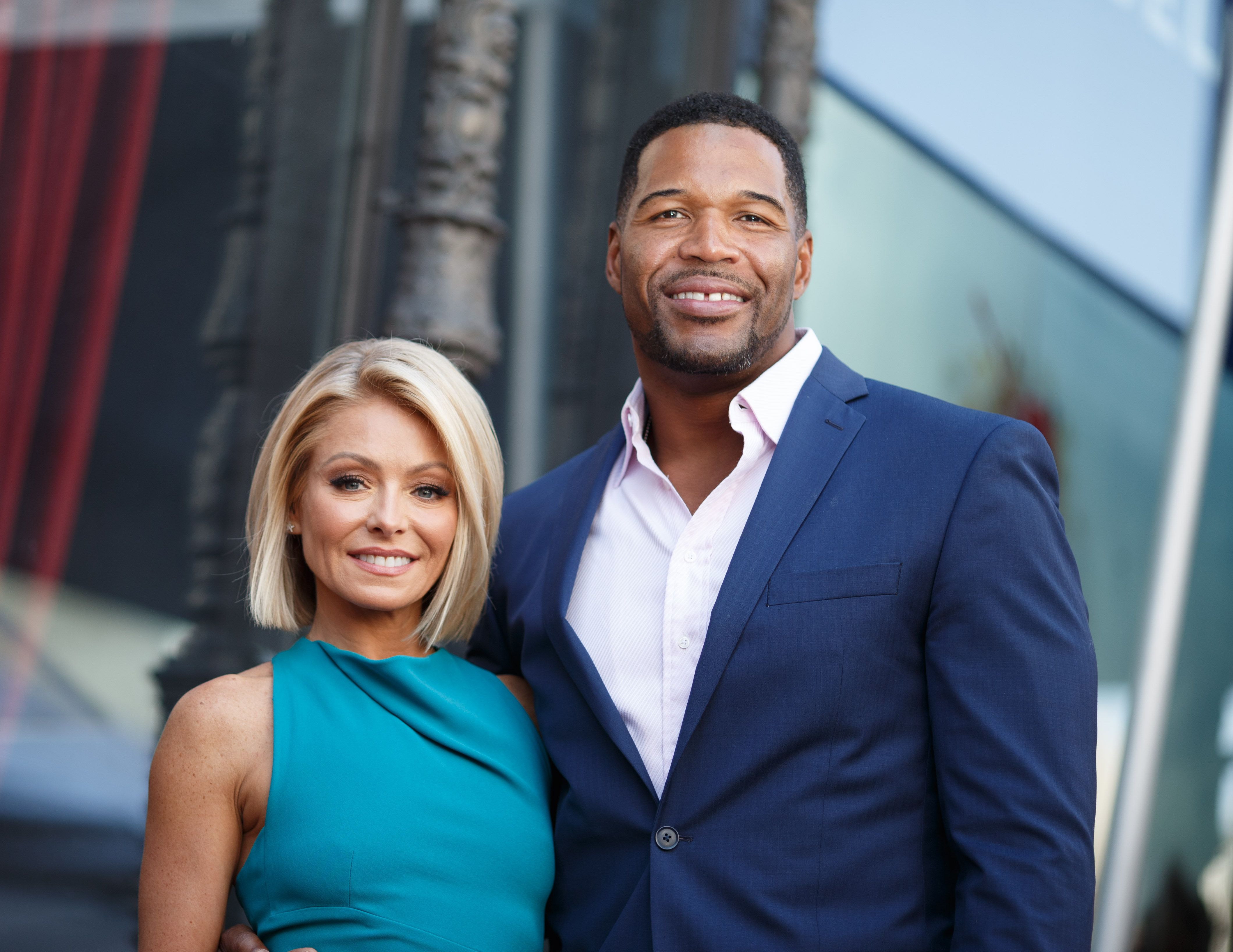 HOLLYWOOD, CA - OCTOBER 12:  Television host Kelly Ripa (L) and Michael Strahan attend the Hollywood Walk of Fame on October 12, 2015 in Hollywood, California.  (Photo by Mark Davis/Getty Images)