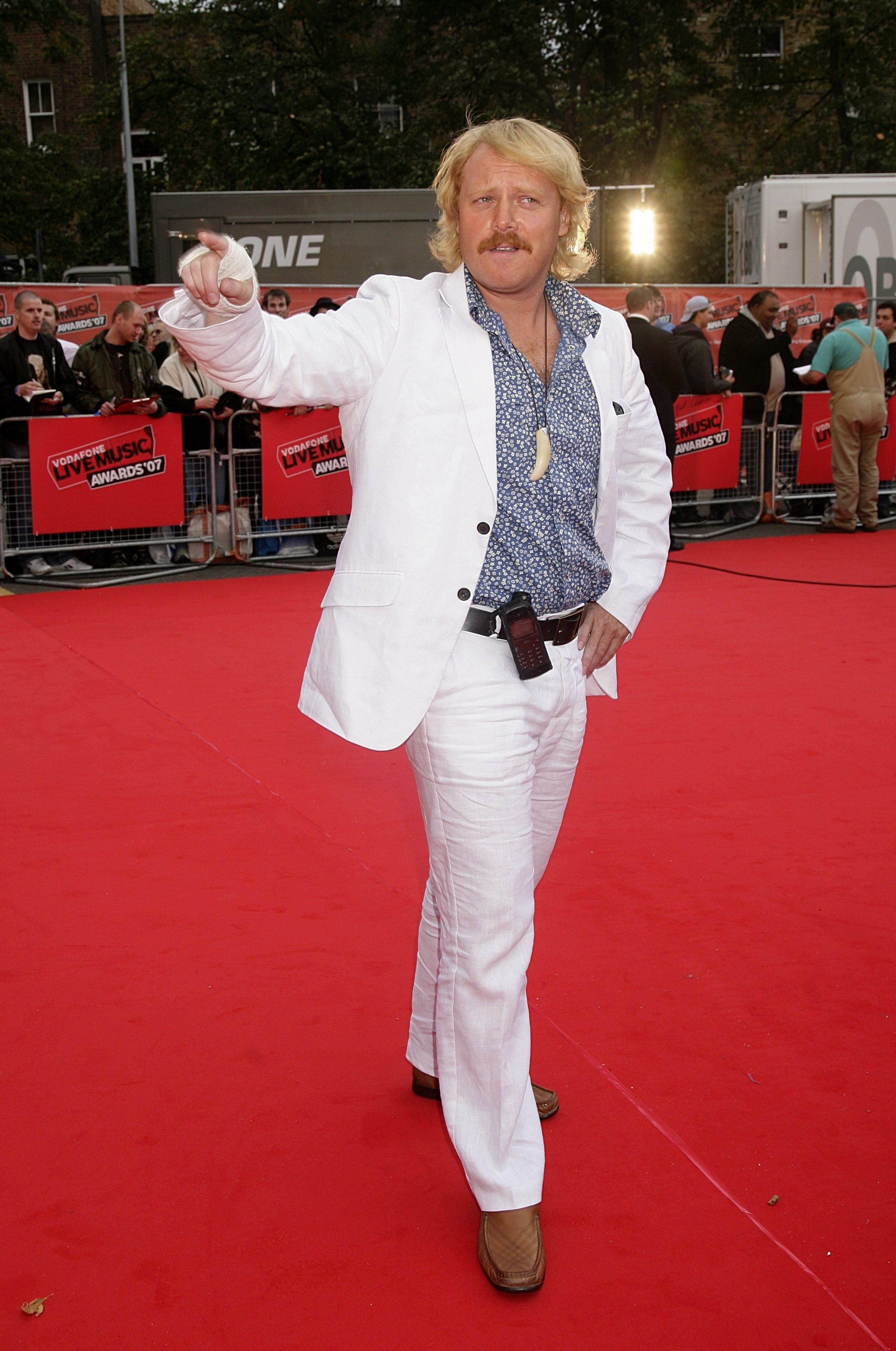 Keith Lemon Finally Explains The Reason For His Hand