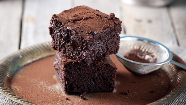 Most brownies, regardless of mix-ins, are either cakey (read: moist crumb, a little fluffy inside) or fudgy (dense and very c