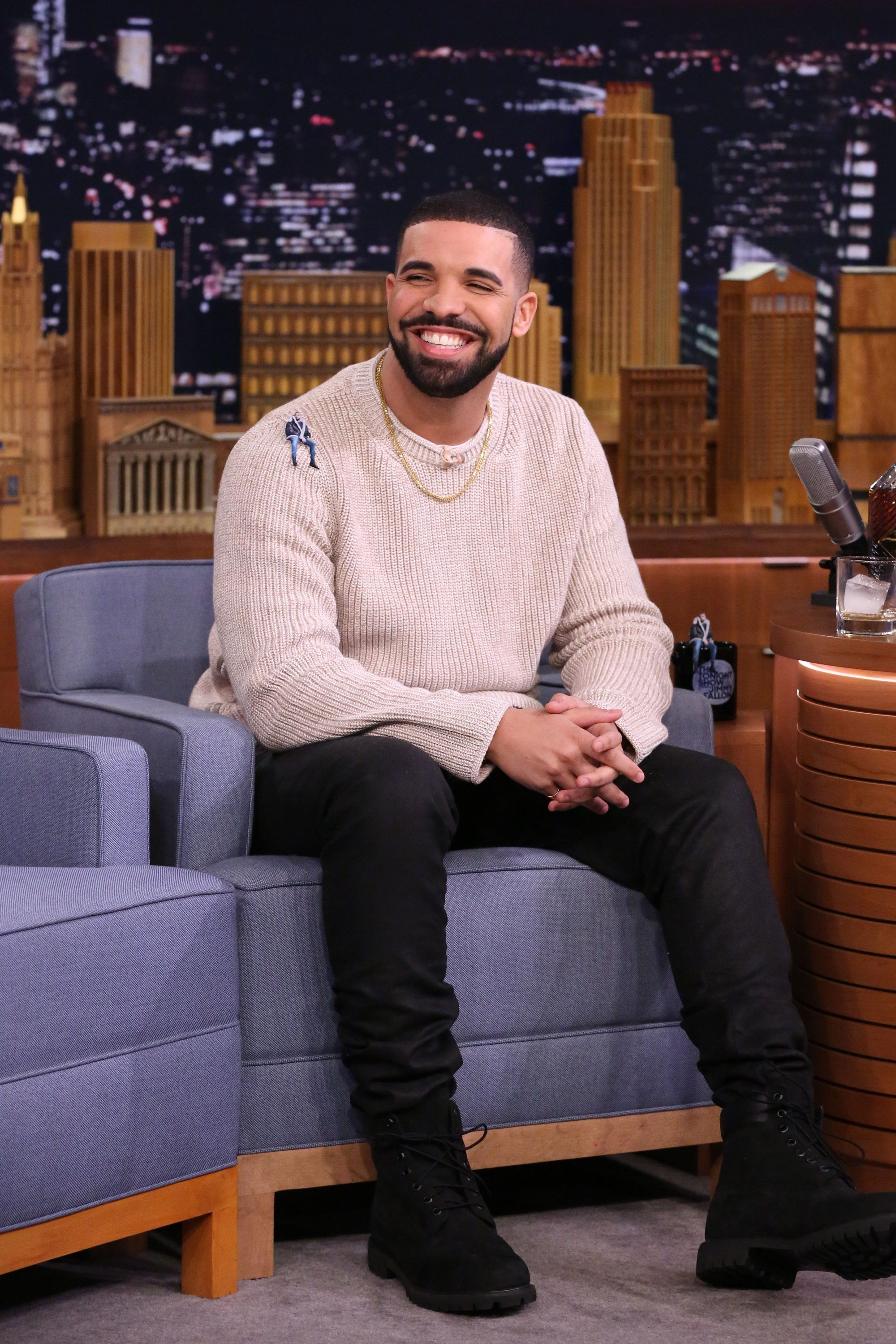 Drake Shaved Off His Beard And No One Is OK