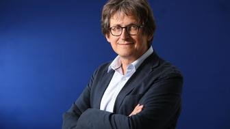 EDINBURGH, SCOTLAND - AUGUST 22:  Alan Rusbridger, editor of The Guardian, and author of 'Play It Again', appears at a photocall prior to an event at the 30th Edinburgh International Book Festival, on August 22, 2013 in Edinburgh, Scotland. The Edinburgh International Book Festival is the worlds largest annual literary event, and takes place in the city which became a UNESCO City of Literature in 2004.  (Photo by Jeremy Sutton-Hibbert/Getty Images)
