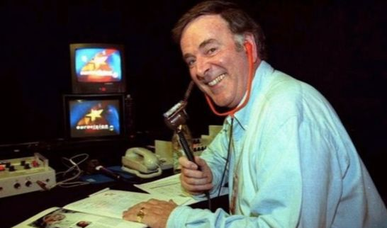 Sir Terry commentated on the Contest for nearly four decades in