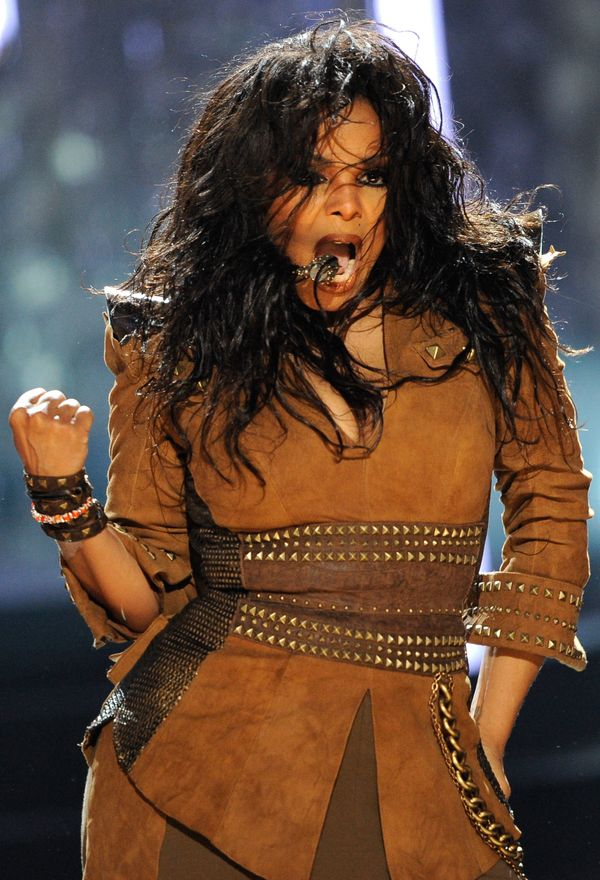 Performingonstage at the American Music Awards in Los Angeles.