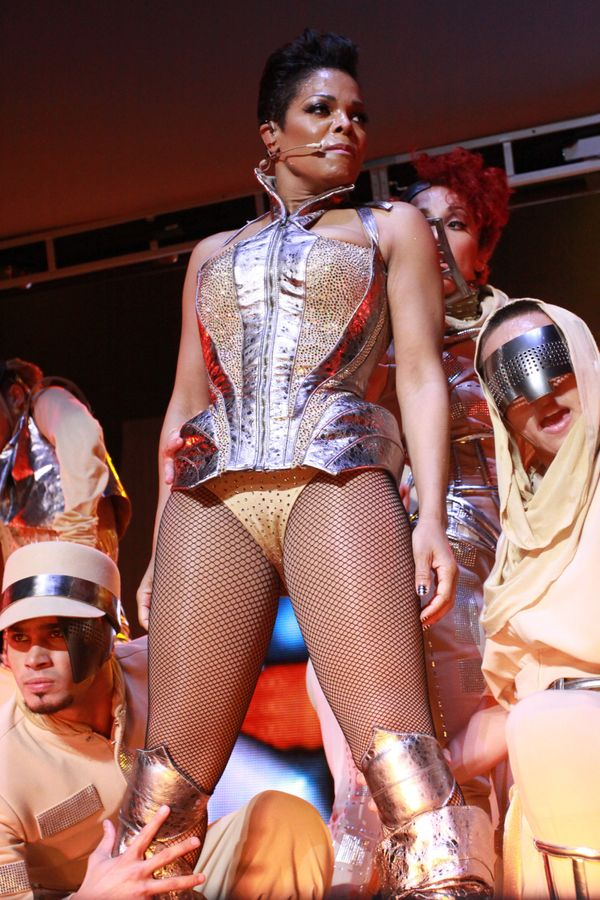 Performingat the Essence Music Festival in New Orleans.