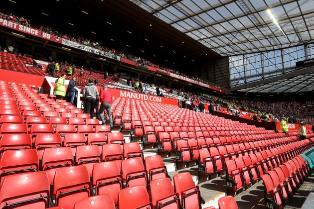 Old Trafford Fake Bomb Scare Sees Football Fans Mock Security