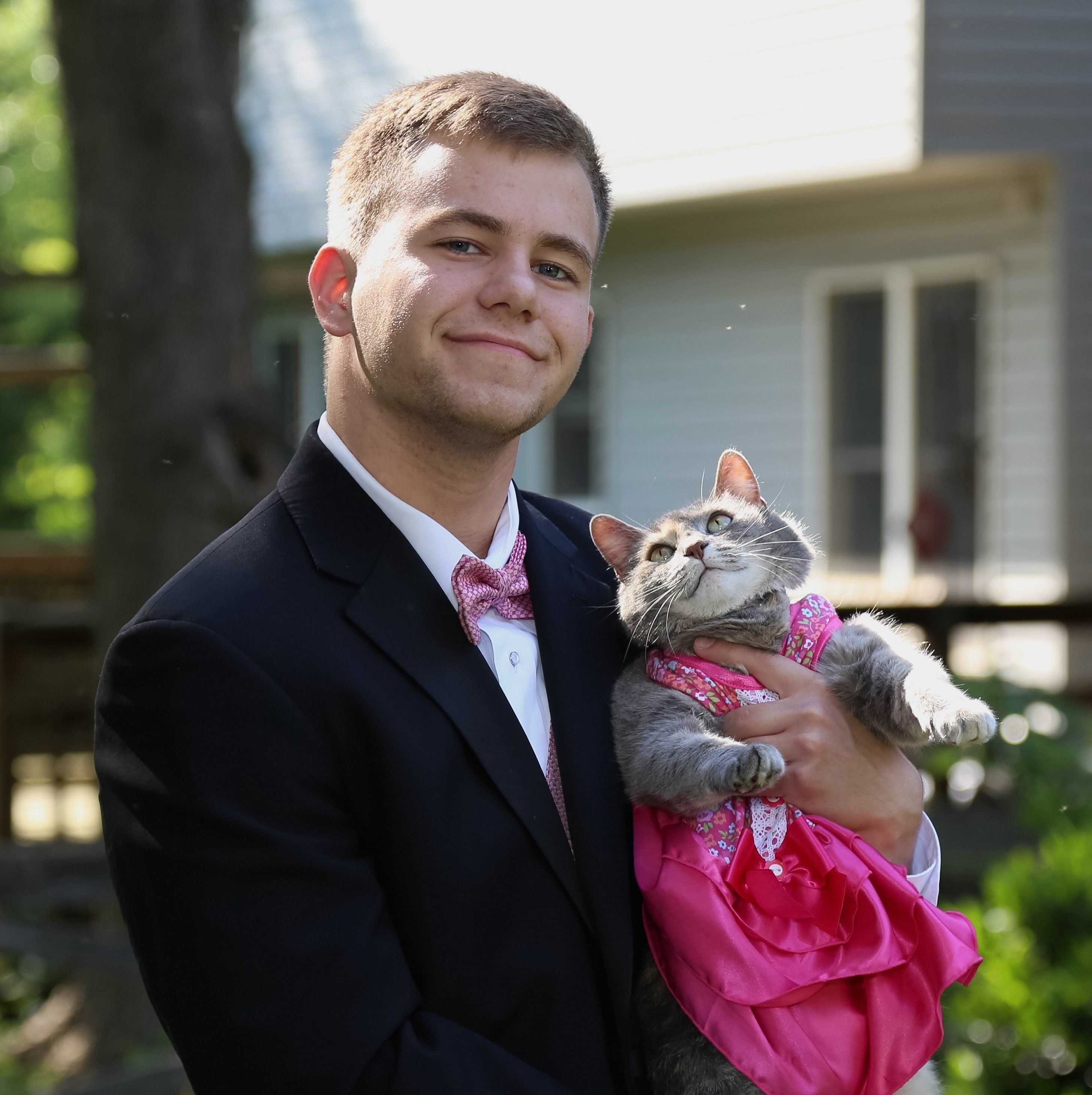 This Guy Took His Cat To Prom When He Couldn't Find A