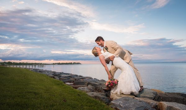 """Jill and MJ appropriately celebrated their nuptials with a Chesapeake Bay waterfront wedding at Love Point on Maryland&rsquo"