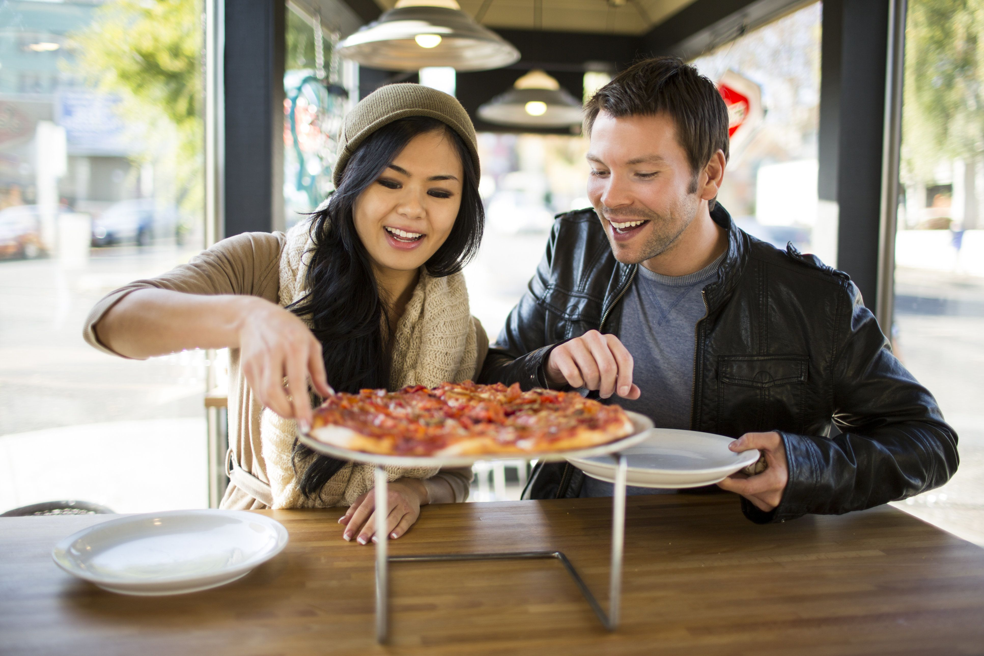 U.S. restaurant owners have five extra months to post the calorie counts of their food.