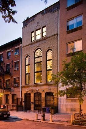 """This former synagogue,known as the <a href=""""http://therealdeal.com/2016/04/23/live-in-the-8th-street-shul-for-30k-a-mon"""