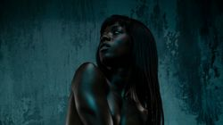 Photo Series Explores How Nude Models Feel In The Skin They're