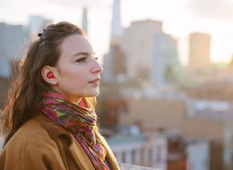 This Earpiece Translates Foreign Languages For You In Real Time